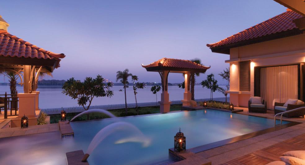 Palm Jumeirah Hotel